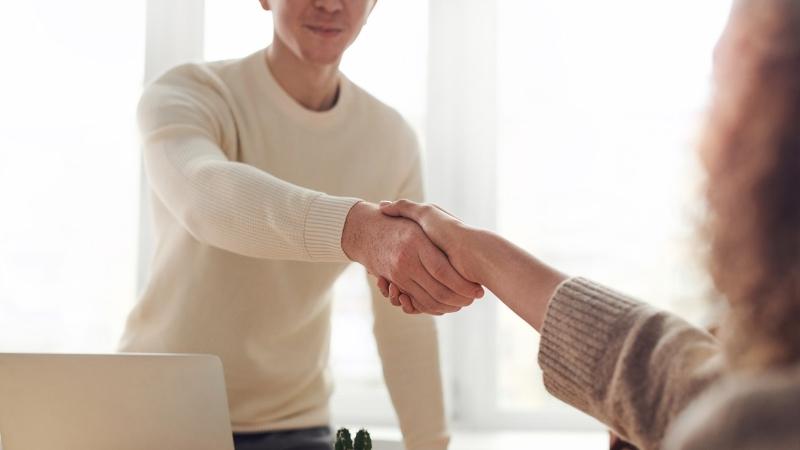 Cómo el software para administración de clientes crea confianza con los clientes